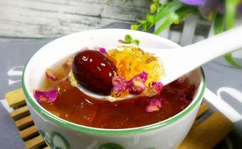 桃胶可以放玫瑰花吗 玫瑰花可以和桃胶一起吃吗