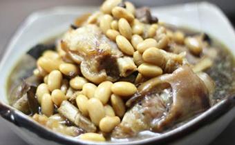 黄豆焖猪蹄黄豆用热水泡吗 黄豆没泡可以炖猪蹄吗