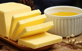 黄油外面黄里面白还能吃吗 黄油外面比里面颜色深是什么原因