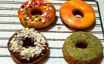 甜甜圈可以不用黄油吗 甜甜圈是炸的还是烤的