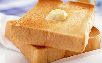 黄油抹面包需要加热吗 黄油可以用来炸馒头吗