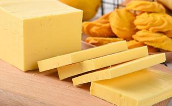 黄油忘了冷冻还能吃吗 黄油表面氧化还能吃吗