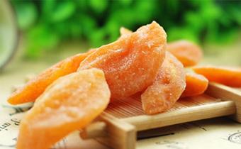 黄桃干热量高吗 一天吃多少黄桃干合适