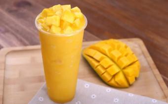 芒果榨汁放糖还是蜂蜜 芒果汁加糖还是加蜂蜜