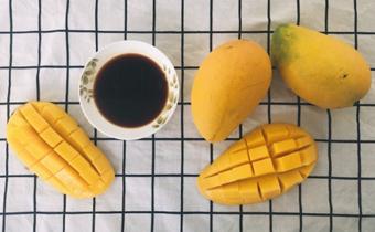 芒果蘸酱油是哪里的吃法 芒果蘸酱油好吃吗