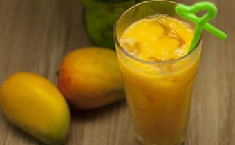 榨芒果汁用什么芒果最好吃 生芒果可以榨汁喝吗