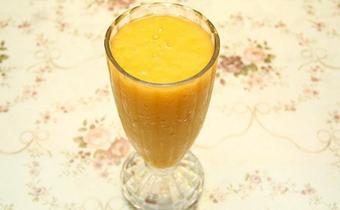 榨芒果汁可以加白糖吗 榨芒果汁放白糖还是冰糖