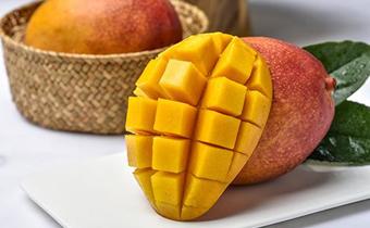 芒果可以用硬币剥皮吗 怎么用硬币剥芒果