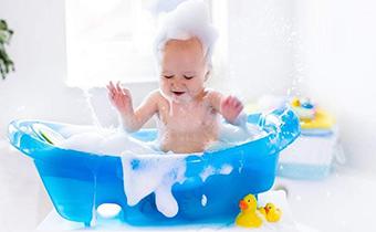 小孩子洗澡可以加白醋吗 小孩子得湿疹能洗澡吗
