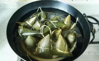 粽子什么时候下锅 粽子下锅煮多久能吃