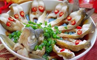 清蒸鱼怎么做不会腥 清蒸鱼一般选什么鱼