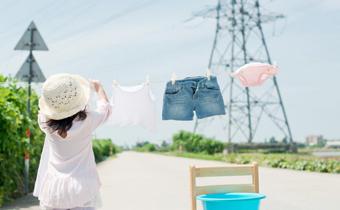 潮湿天衣服有小黑点怎么办 潮湿天衣服发霉用什么洗得干净