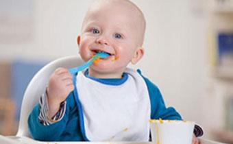 怎么给宝宝增加辅食 辅食应该几个月添加