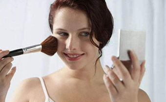 干皮上妆前用抹妆前乳吗 干皮如何画出清润底妆