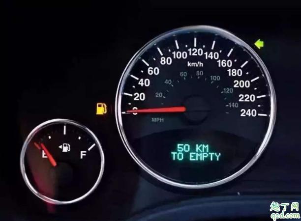 汽车加完油油灯还亮咋回事 加满油后为什么发动机灯会亮2