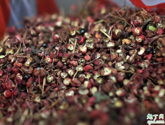 花椒怎么炒出麻味 花椒是热油放还是凉油放出麻味4