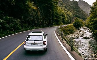 汽车打火时抖动正常吗 车子怠速有抖动是哪里的问题