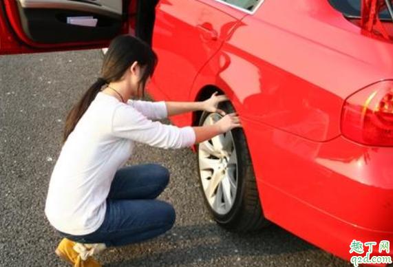 汽车轮胎螺丝拆完为什么拔不出来 汽车轮胎卸不下来怎么办4