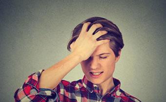 头发老出油是有螨虫吗 头发里长螨虫怎么去除