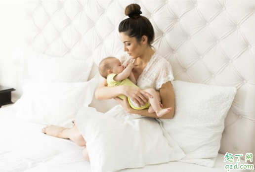 新生儿满月一般长几斤 新生儿第一个月会重几斤1
