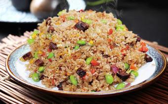 蛋炒饭用什么米最合适 什么米做蛋炒饭最好吃