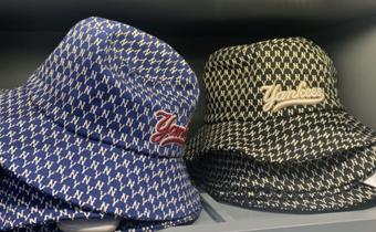 gucci和mlb联名渔夫帽哪个色好看 mlb新款印花买蓝色还是黑色