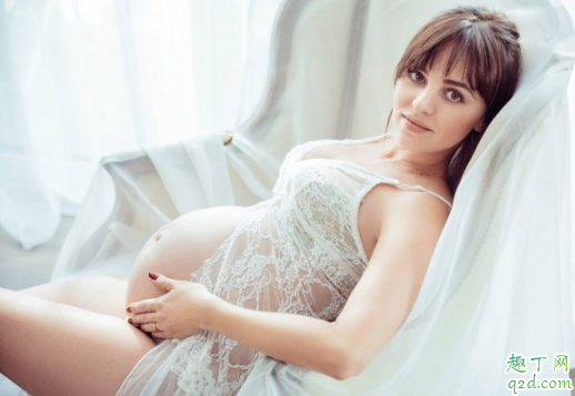 孕妇脚肿是怎么回事 怀孕脚肿怎么缓解2