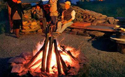 野外电池生火怎么生 打火石是什么石头