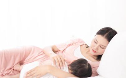 五个月宝宝侧睡还是平睡好 五个月宝宝睡觉需要注意什么