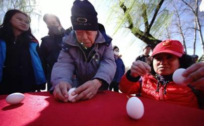 春分竖鸡蛋是生的还是熟的 春分竖鸡蛋有什么技巧