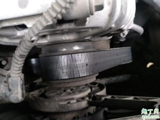 汽车发动机皮带什么时候更换 小车发动机的皮带断了还能行驶吗1