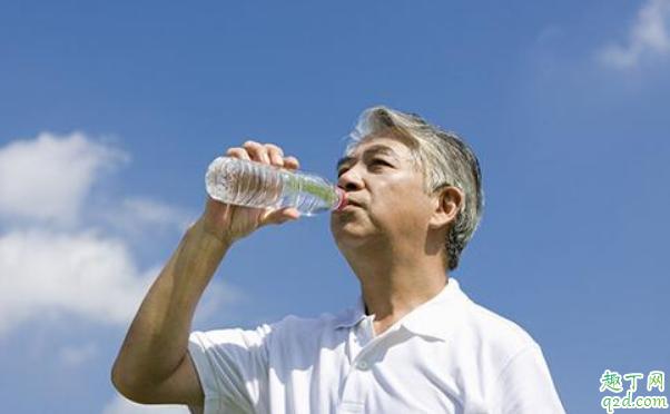 糖尿病人多喝水好还是少喝水好 糖尿病人一天喝多少水合适1