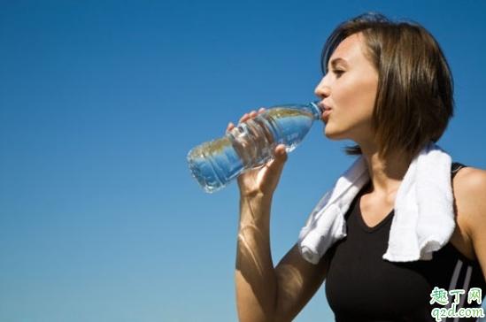 糖尿病人多喝水好还是少喝水好 糖尿病人一天喝多少水合适2