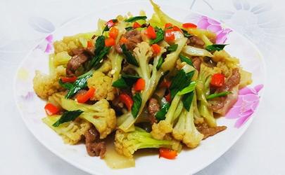 花菜炒肉用什么肉比较好 炒花菜的肉肥一点好还是瘦一点好
