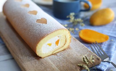 蛋糕卷是趁热卷还是凉一些卷 蛋糕卷什么时候卷最好