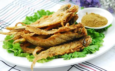 炸鱼腌制多长时间能入味 炸鱼的腌制方法窍门