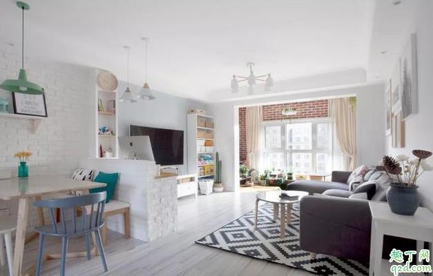 客厅和阳台地砖铺一样好看吗 客厅和阳台地砖一样好还是不一样好1
