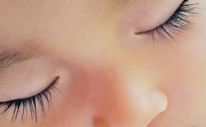 父母眼睫毛长会遗传吗 怎样让婴儿睫毛长得长
