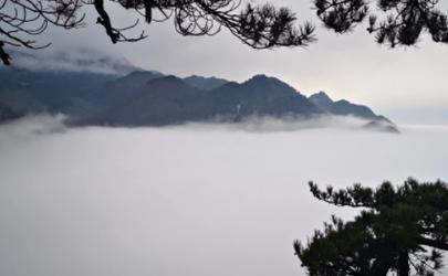 庐山玩两天住在哪里比较方便 庐山什么时候可以开车上山