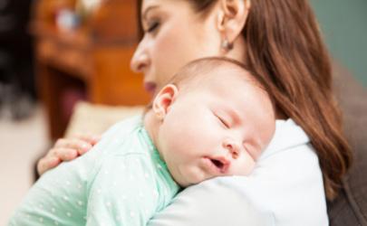 冬天宝宝发烧怎样防止患肺炎 宝宝得肺炎有痰应该咳出来吗
