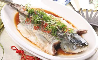 清蒸鱼怎么才算熟了 清蒸鱼怎么看熟没熟