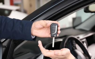 第一次买车怎么和销售谈价格 第一次买车在什么时候买最好