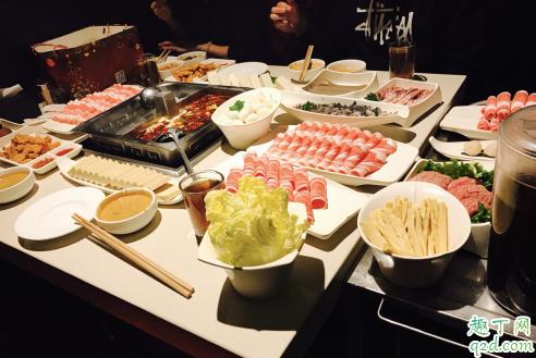 两个人吃海底捞要花多少钱 两人吃海底捞怎么点菜才划算1