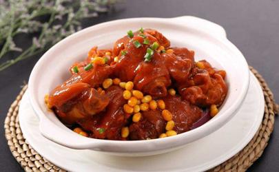 猪蹄炖黄豆是清炖好还是红烧好 猪蹄炖黄豆要先泡水吗