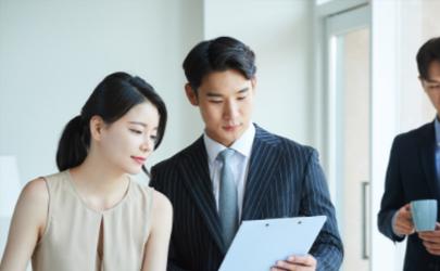 事业上升应该为另一半放弃工作吗 女性工作和爱情之间如何取舍