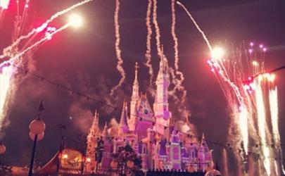 上海迪士尼怎样才能不排队那么久 上海迪士尼什么时间排队人少