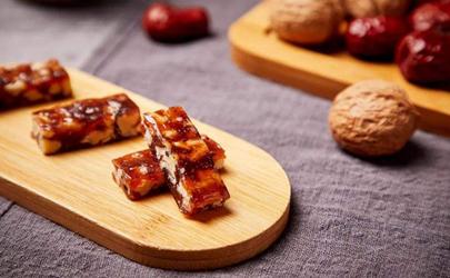 为什么做的红枣核桃糕里切开后是散的 红枣核桃糕不成型是怎么回事