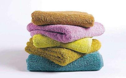 毛巾变黑用什么清洗 毛巾变黑了还能用吗
