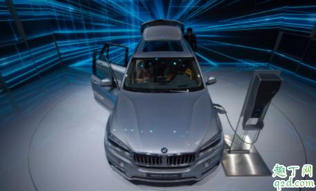新能源和燃油车买哪个好 最近新能源汽车为什么降价1