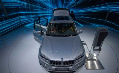 新能源和燃油车买哪个好 最近新能源汽车为什么降价